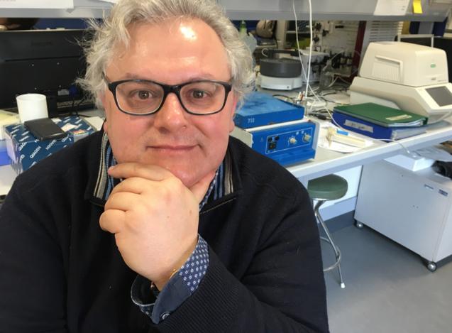 Giovanni dirige due corsi di laurea e fa ricerca di alto livello a Bologna