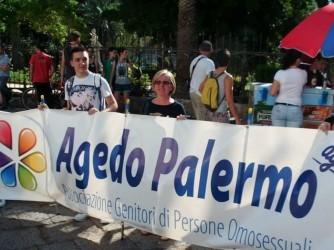 Piera e suo figlio Giulio a una manifestazione
