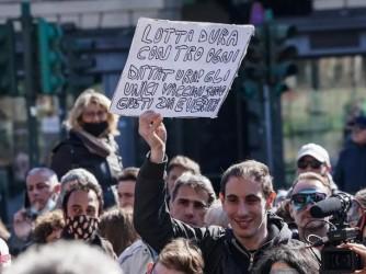 Manifestazione no vax e no mask nei giorni scorsi a Torino