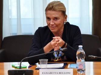 Elisabetta Belloni, appena nominata al vertice dei servizi segreti italiani, raro esempio, in Italia, di una donna in una posizione di potere