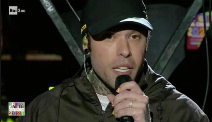 Fedez durante il suo intervento contro la Lega al concerto del Primo Maggio su Rai 3