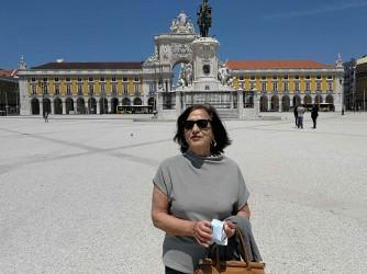 Luciana fotografata durante un viaggio a Lisbona di qualche anno fa