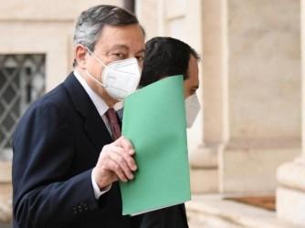 Mario Draghi, presidente del Consiglio, sta incitando gli italiani a ricominciare
