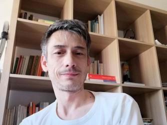 Emiliano è nel mondo dell'educazione da 26 anni