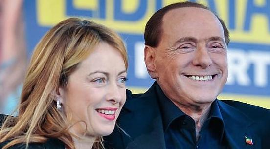 Giorgia Meloni, leader di Fratelli d'Italia, con Silvio Berlusconi, leader di Forza Italia