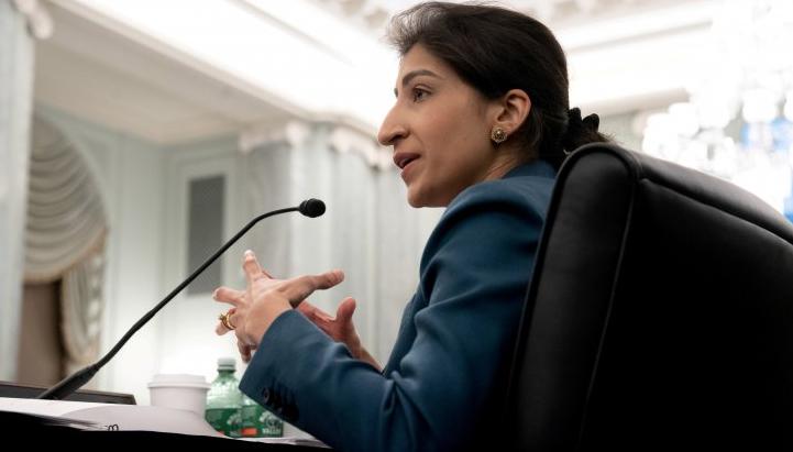 Lina Khan, 32 anni, è la nuova presidente dell'Antitrust americana