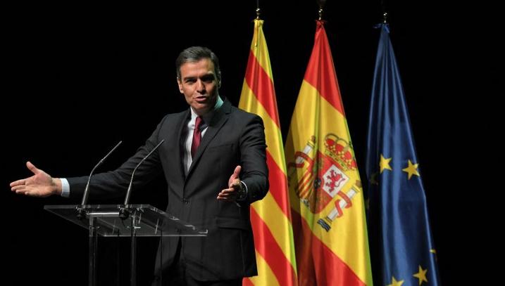 Pedro Sanchez durante il suo intervento al Liceu di Barcellona