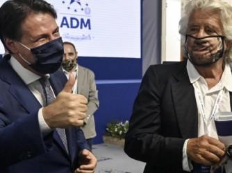 Giuseppe Conte e Beppe Grillo, duellanti nel campo del Movimento Cinque Stelle