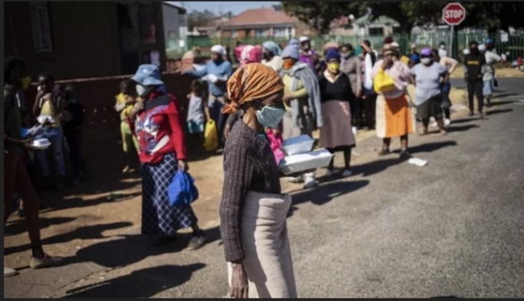 Donne in un sobborgo sudafricano, l'introduzione della poliandria ha scatenato le reazioni dei poligami
