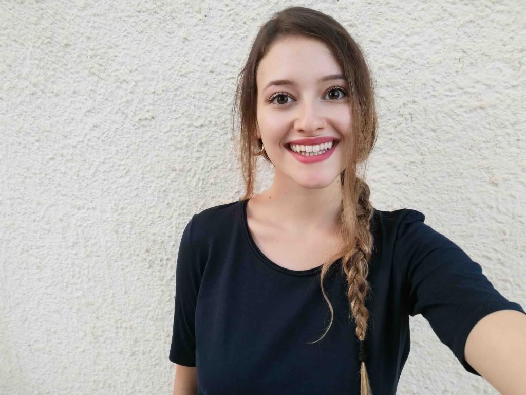 Simona Adele ha saputo di Genova dal suo ragazzo che dopo le ha fatto vedere un film sul G8