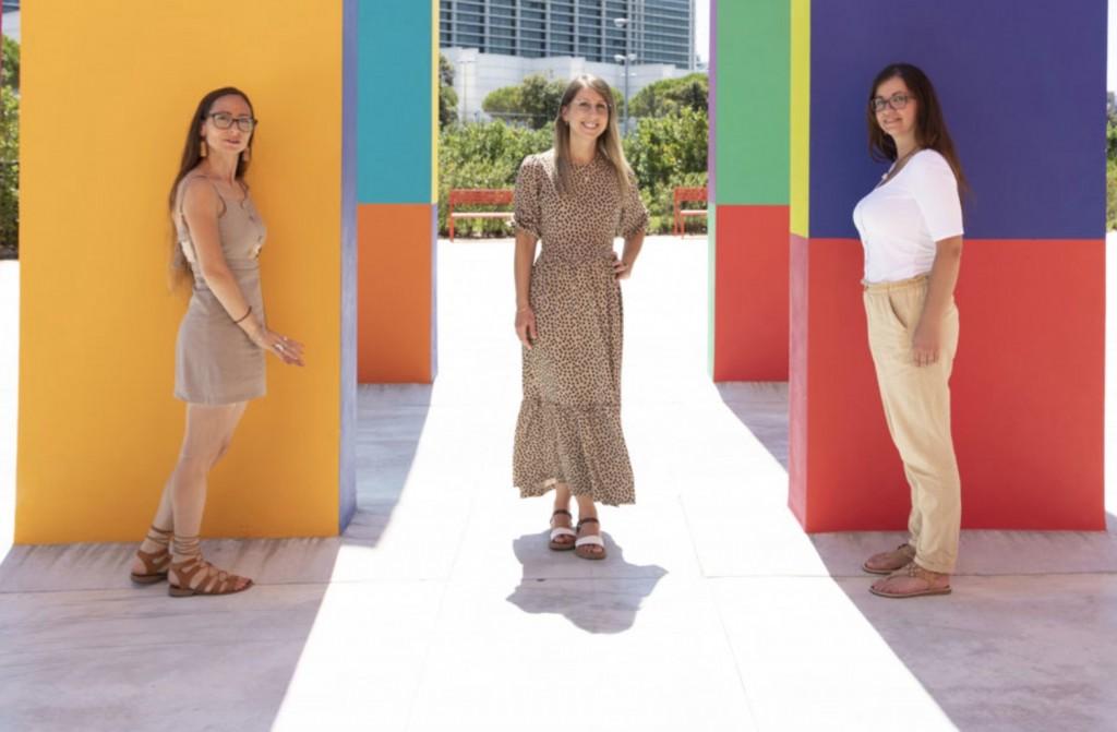 Da sinista Emanuela, Jenny e Adele le ideatrici del corso sulla gentilezza