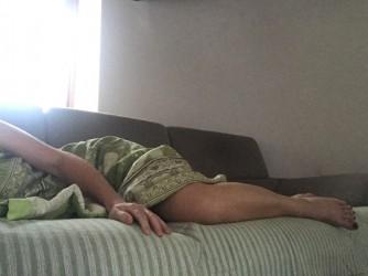 La depressione è questo, abbandonarsi su un divano con l'impossibilità di scendere, di alzarsi