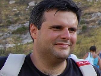 Marcello non era a Genova, ma partecipò sia al Social Forum di Firenze che alla manifestazione per l'Articolo 18 a Roma