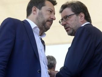 Matteo Salvini, segretario della Lega, e Giancarlo Giorgetti, ministro dello Sviluppo economico
