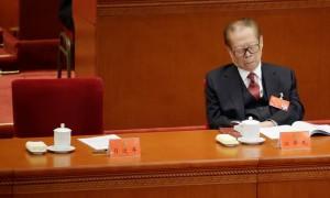 Jiang Zemin si appisola durante il discorso di Xi Jinping