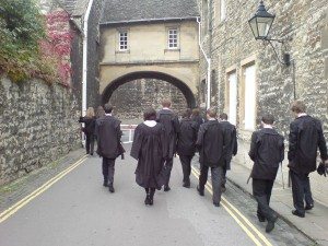 0-oxford_university_students_academic_dress