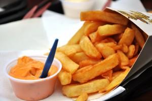 Belgian fries with samurai sauce
