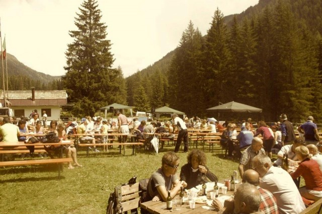 Il ristoro a fine gara del trofeo dell'Alpino di qualche anno fa