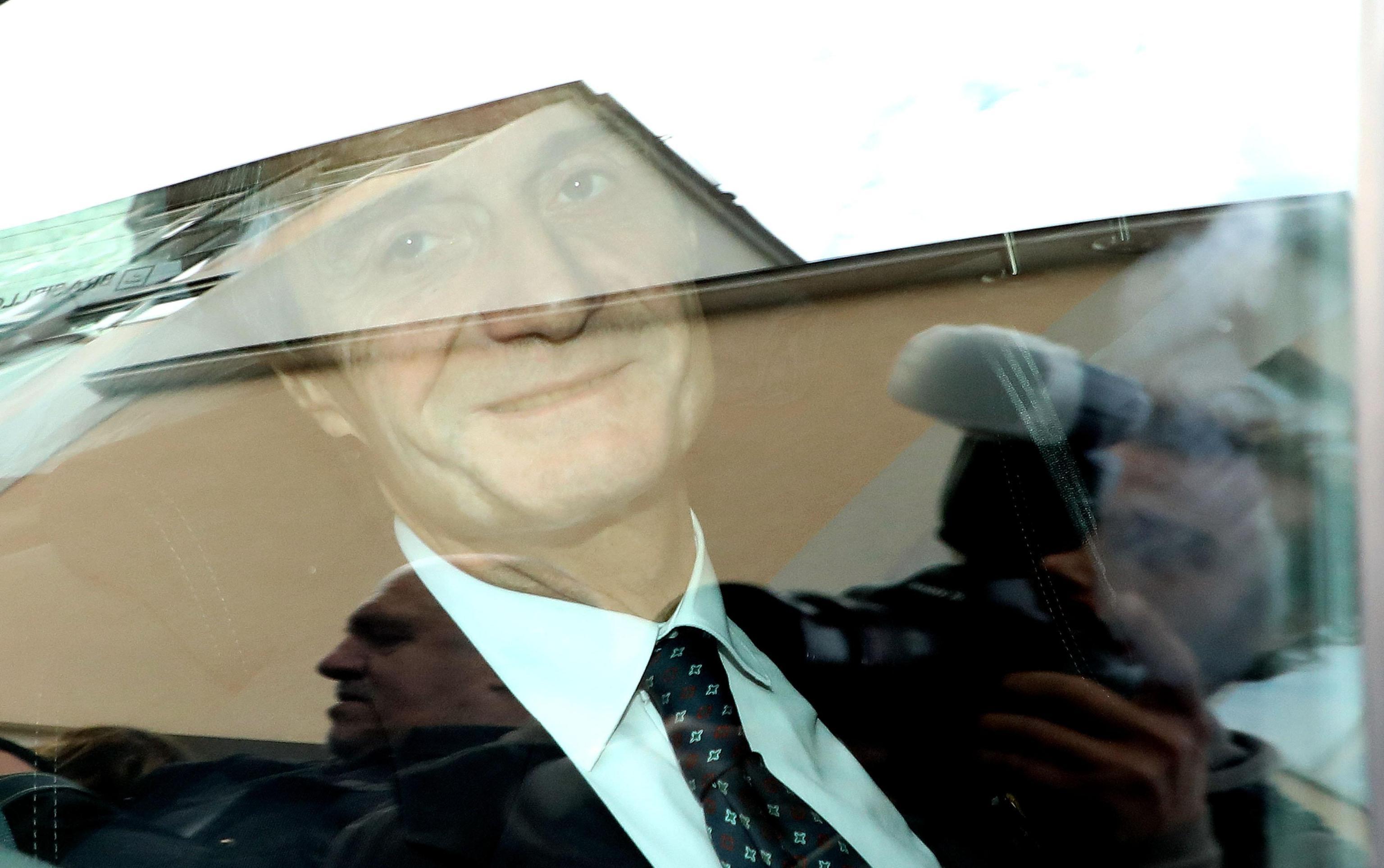 Governatore Fontana si presenta davanti ai pm