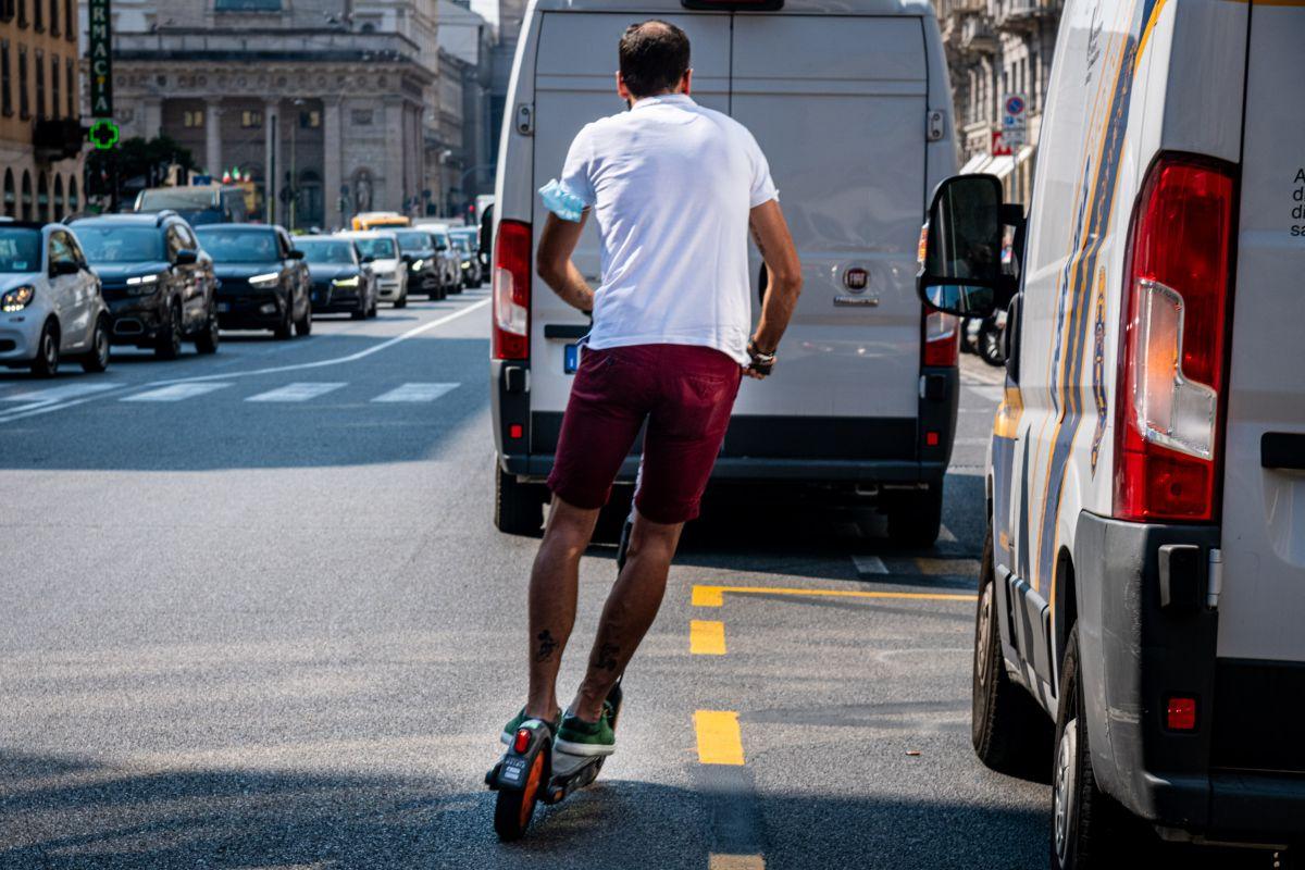 Milano - Monopattini elettrici in citta'