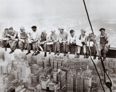 lunch-atop-a-skyscraper-c1932.jpeg
