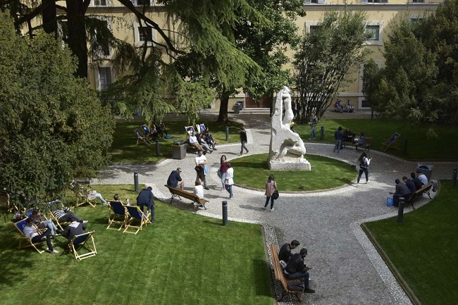 cortile_palazzo_centrale_4