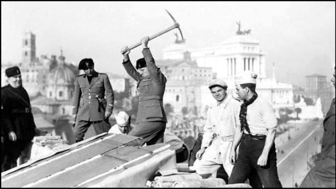 Mussolini-e-il-piccone
