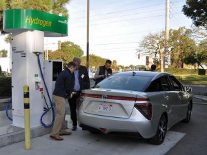 20-Year-Pursuit-of-Toyota-Finally-Bears-Fruit-With-the-2016-Toyota-Mirai-4