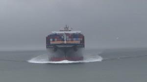 132243132-msc-beijing-onda-di-prua-nave-portacontainer-import