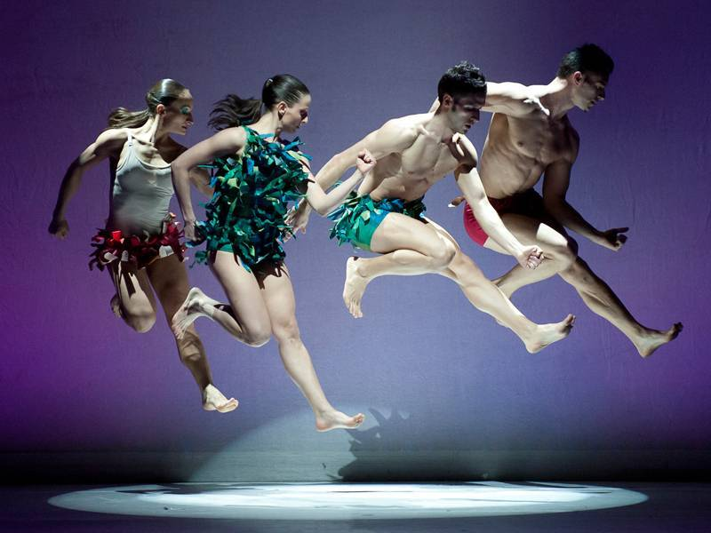 kataklo-athletic-dance-theatre_4