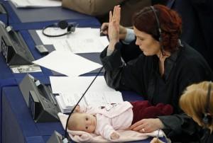 la danese Hanne Dahl a Strasburgo con la figlia