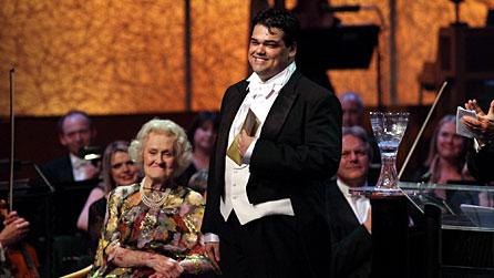 Il tenore Giordano Lucà con Joan Sutherland