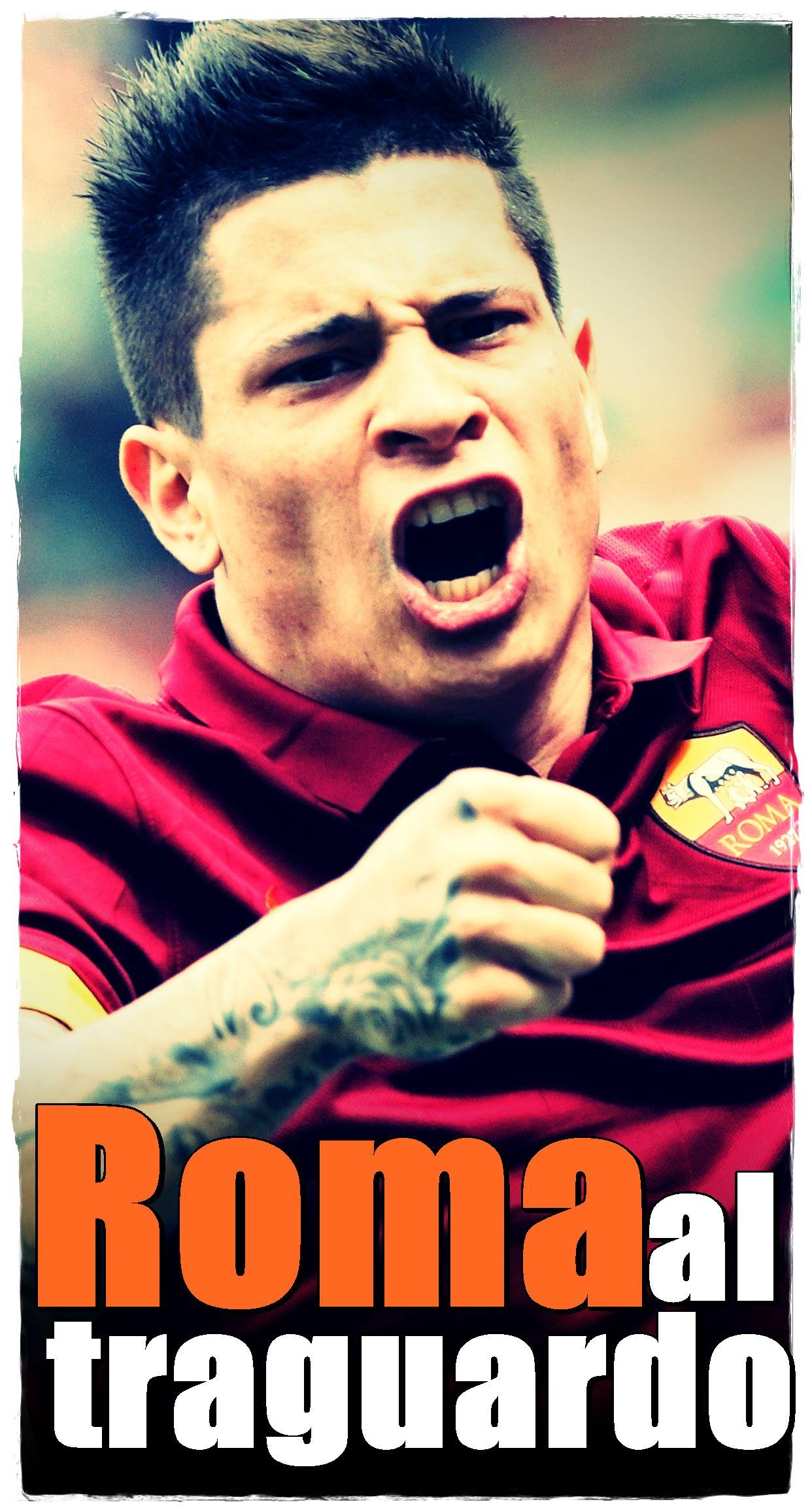 """E  iniziato con le coltellate (sembra che non sia Derby senza) ed è finito  con la maglietta di Totti – """"Game Over"""" – sotto la curva. Il derby è andato  così d14e1251665a"""