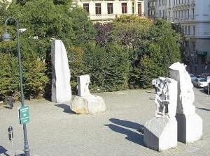 800px-Mahnmal_Albertinaplatz_Vienna_Oct__2006_006