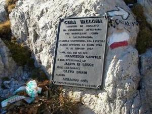 07.10.16 68 Targa in memoria dei caduti di C. Vallona
