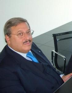06.10.06 02 Tavagnacco, inaugurazione Hypo Bank; Lorenzo Di Tommaso, Wolfgang Kulterer e interprete