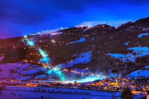 14.02.20 Bramberg (Salisburghese), pista slittino illuminata - Copia