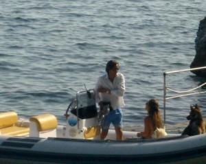 14.07.17 Karl-Heinz Grasser con Fiona Swarovski e il cane in barca a Capri