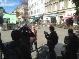 16.02.01 Vienna now su Youtube, conduttore Chris Cummins - Copia