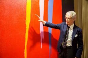 16.02.12 Vienna, Martino Zanetti con una delle sue opere esposte all'Ambasciata d'Italia
