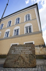 16.04.09 Braunau, casa natale di Hitler 3