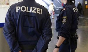 16.04.30 Vienna, vigilanza polizia stazione Praterstern