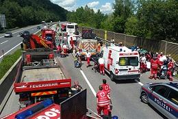 16.06.23 Grimmstein (Bassa Austria), pullman sloveno con friulani a bordo - Copia