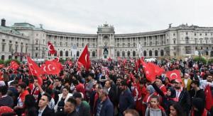 16.07.16 Vienna, Heldenplatz, manifestazione di turchi pro Erdogan