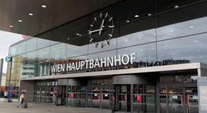 16.07.04 Vienna, Stazione centrale (Hauptbahnhof)