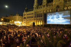 17.06.13 Vienna, Rathausplatz; Festival della musica su schermo - Copia