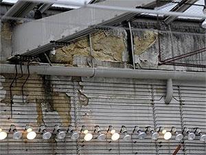 11.03.12 Vienna, Parlamento, danni al tetto 2_big