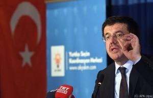 17.07.11 Nihat Zeybekci, ministro Economia della Turchia