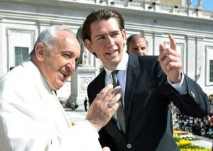 15.12.00 Papa Francesco Bergoglio con Sebastian Kurz (ministro esteri) - Copia