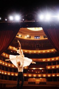 18.07.26 Vienna, balletto dell'Opera di Stato; Maria Yakovleva e Kirill Kourlaev (Foto Peter Rigaud) - Copia